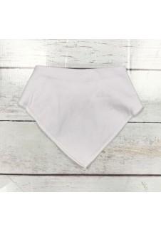 Balta pašiltinta kaklaskarė