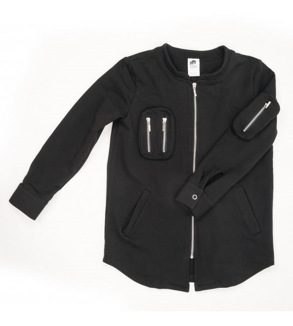 Juodas džemperis su detalėmis